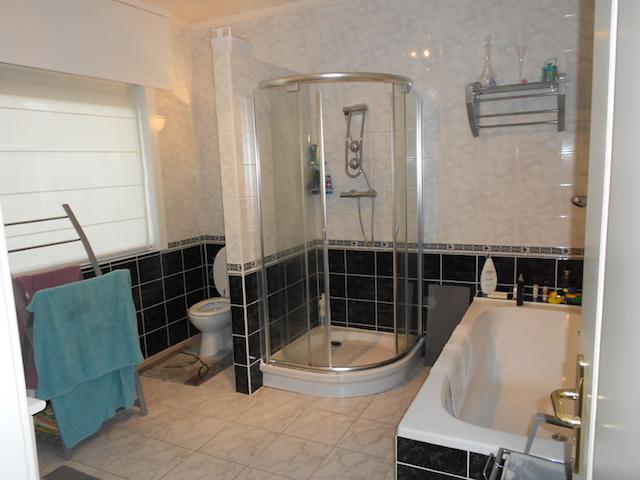 Moderne badkamer renovatie in zelzate - Maak een badkamer in m ...