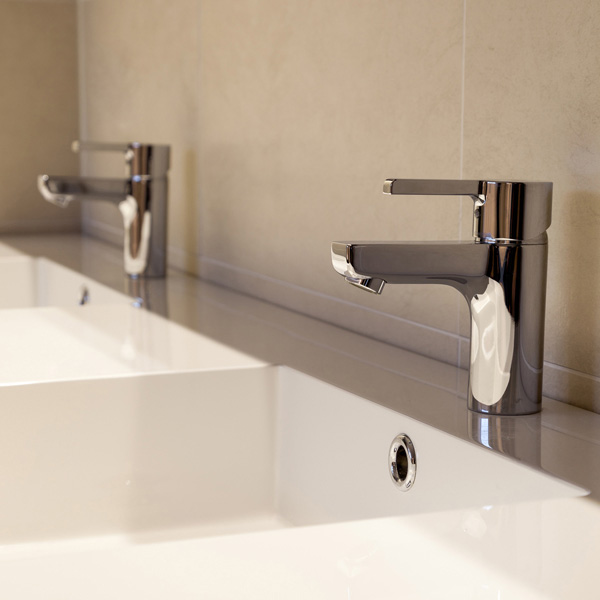 Renovatie van een design badkamer in Oostakker - Renotechnics ...